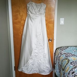Elegant ballgown/prom dress /wedding dress